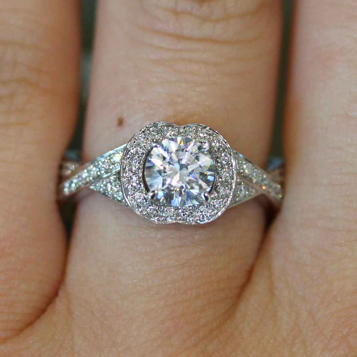 a jaffe mes intertwined diamond shank halo engagement ring setting halo wedding rings a jaffe engagement rings