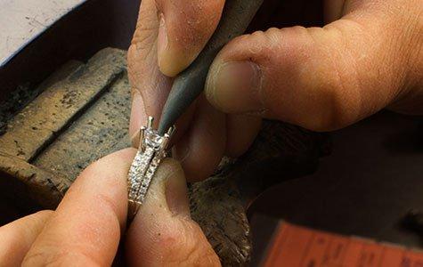 SimonG-Quality-setting-diamonds-475x300