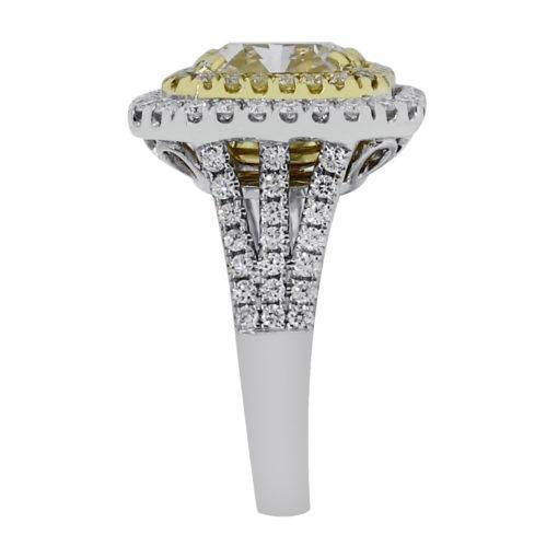 GIA certifed diamond engagement ring