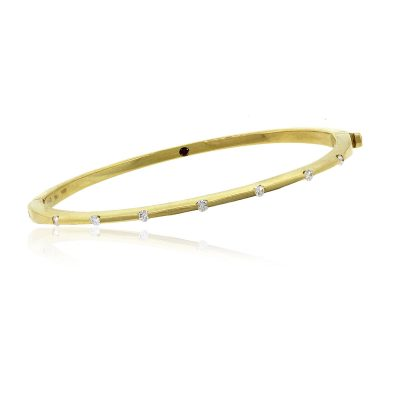 18k Yellow Gold 0.14ctw Diamond Bangle Bracelet