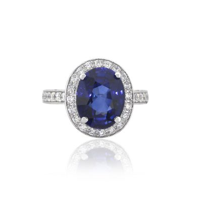 18k White Gold 5.65ct Oval Cut Sapphire With Diamonds Cocktail Ring