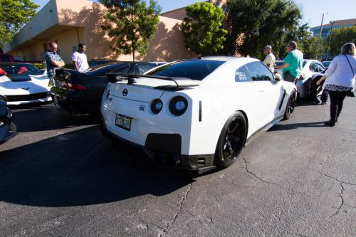 Nissan GTR diamonds and donuts